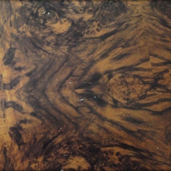 黑胡桃樹榴